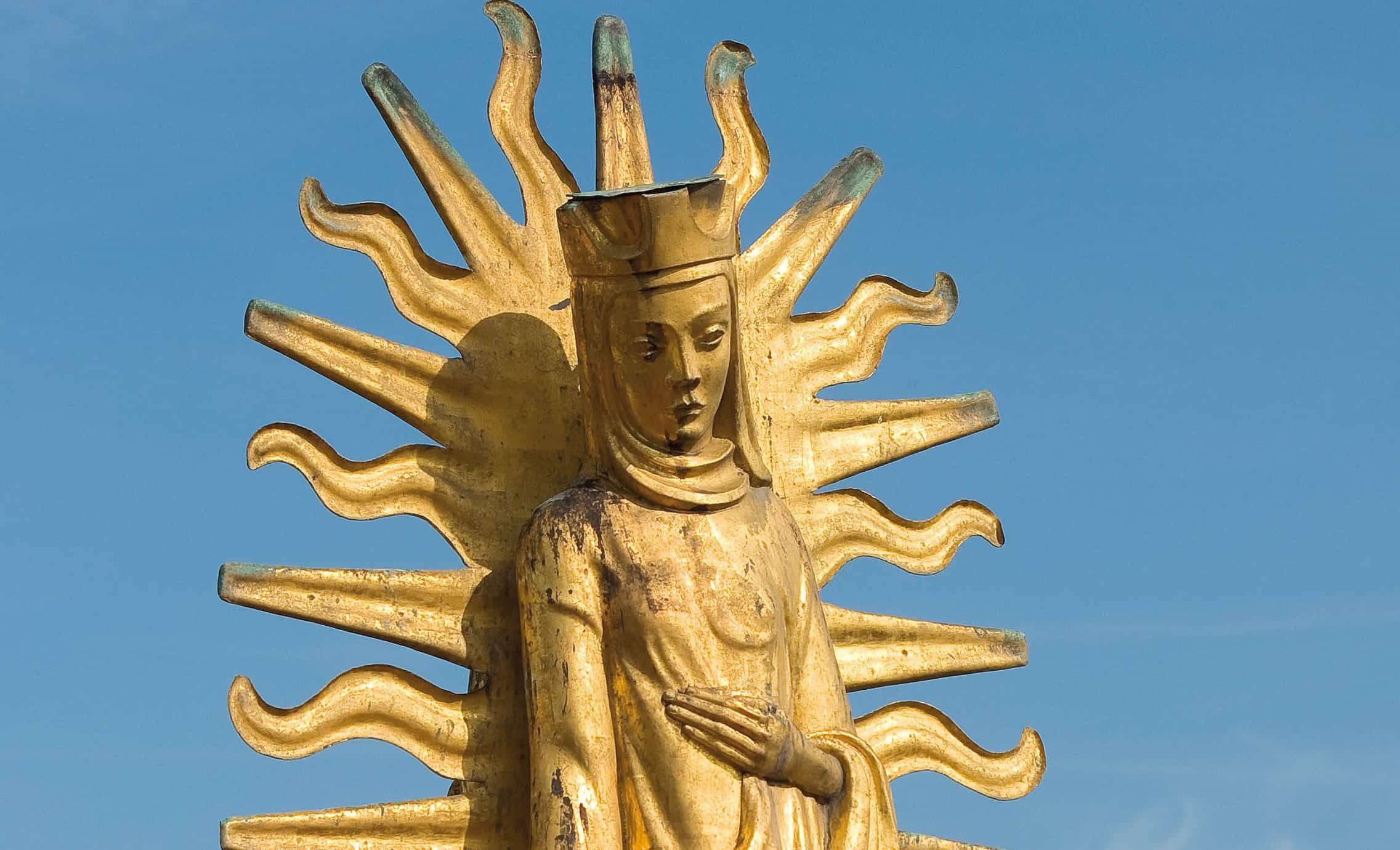 Heilige Elisabeth auf dem Dach des Lisele